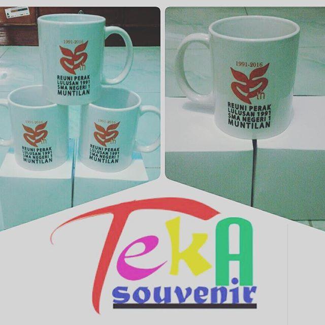 souvenir mug reuni solo