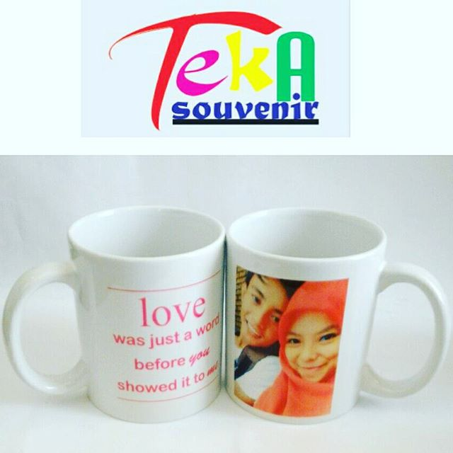 souvenir mug solo foto pasangan