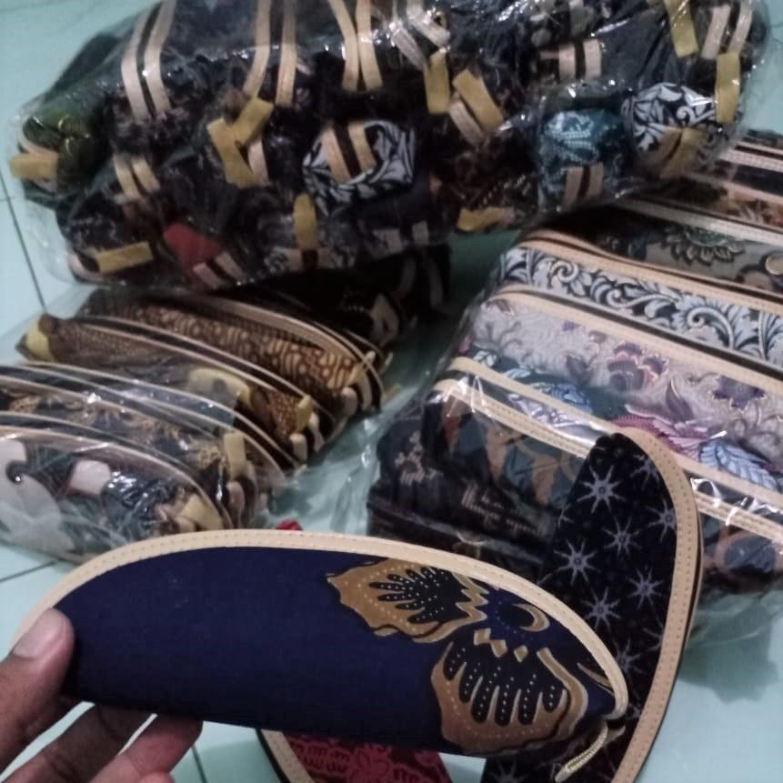 souvenir pernikahan solo dompet batik (5)