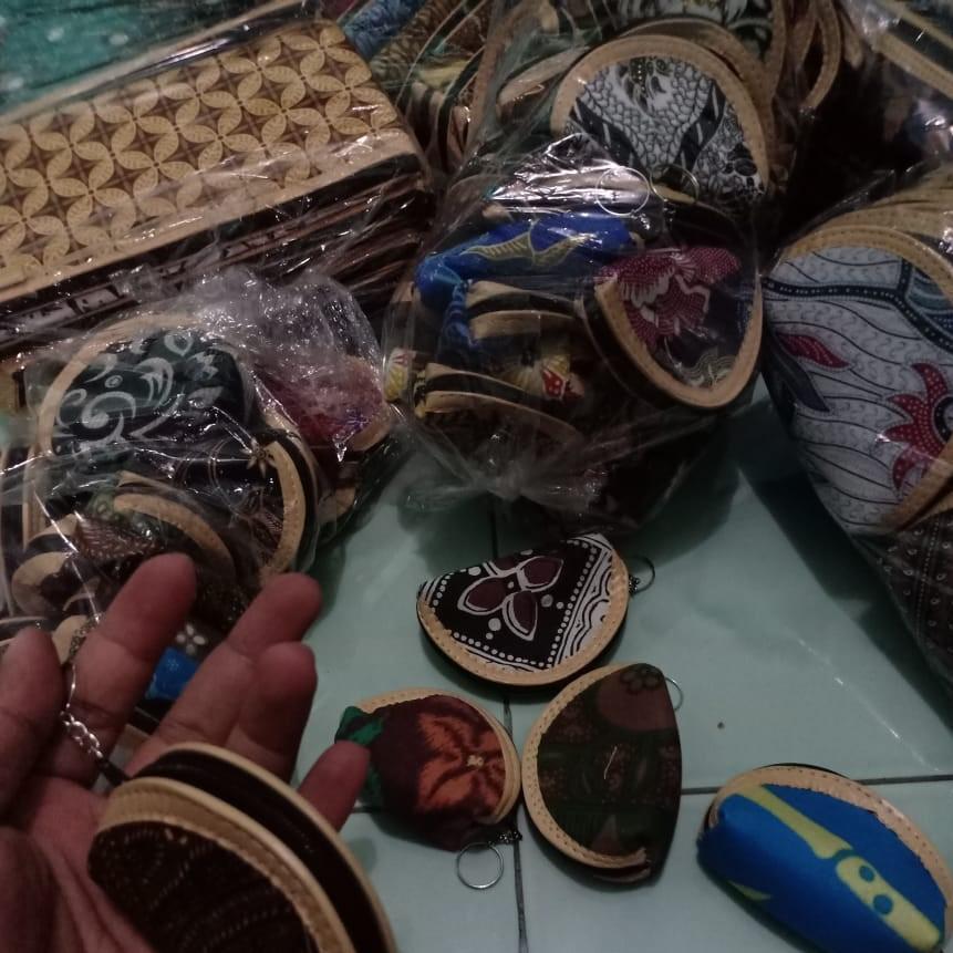 souvenir pernikahan solo dompet batik (9)