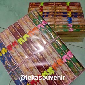 souvenir pernikahan solo - kipas kain batik (1)